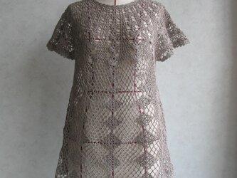 かぎ針編みの丸ヨークチュニックの画像