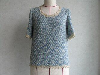 ブルーの半袖セーター の画像