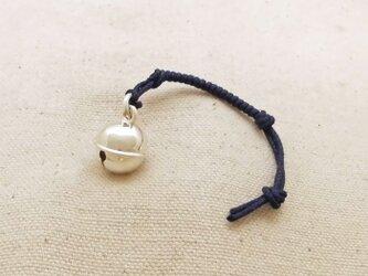 銀製の鈴 『 丸型・中 』 (シルバー925) 根付・帯留飾りの画像