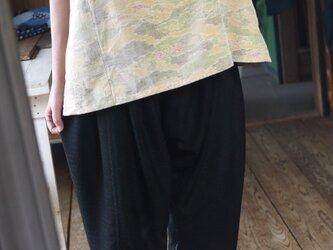 正絹泥染めのサルエルパンツの画像