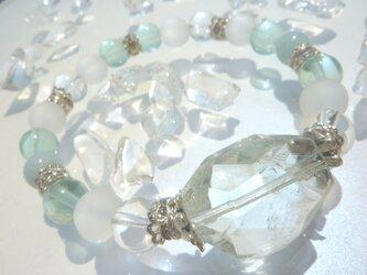 宝石質大粒AAAタンブル!グリーンアメジストの癒しのブレスの画像