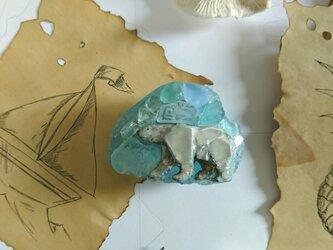 Seaglass シロクマのペーパーウエイトの画像