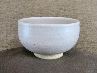 陶器ご飯茶碗(中)お椀型・藁白釉の画像