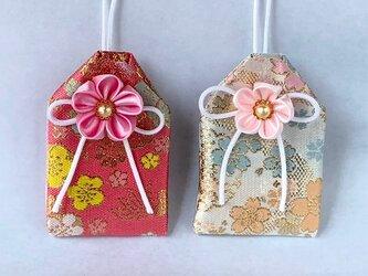 元巫女の花のお守り袋(花見)の画像