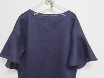 濃紺色リネン ベル袖ブラウスの画像