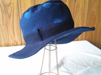 藍染めコットンのハット(あわい水玉)の画像