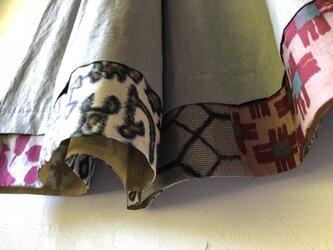 播州織×銘仙パッチワーク「いろいろ銘仙のガウチョパンツⅢ」99ライトグレーの画像