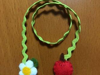 しおり  りんご(上:花  下:りんご)の画像