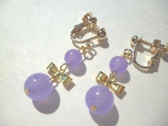 カルセドニー・メタルリボンのイヤリングの画像