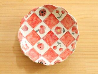 粉引赤い市松とかわいいもののお皿。の画像