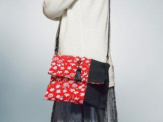 古布遊び 赤と黒ショルダーミニバッグ【1点もの】の画像
