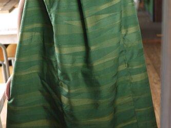 グリーンの正絹タックワンピースの画像