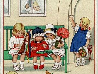 ドイツ製 ポストカード【緑のベンチと4人娘】DA-PCD003の画像
