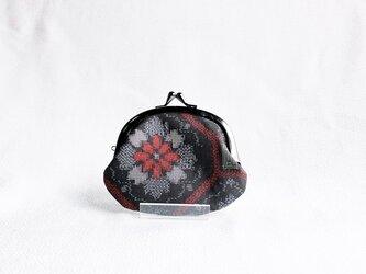 着物がまぐち 《まる》 大島紬・黒に赤華の画像