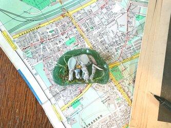 Seaglass 「ゾウのペーパーウェイト」の画像