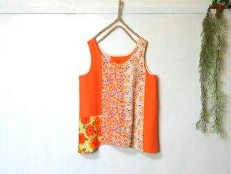 ノースリーブ パッチワーク ブラウス ② ~ オレンジ 花柄 タンクトップの画像