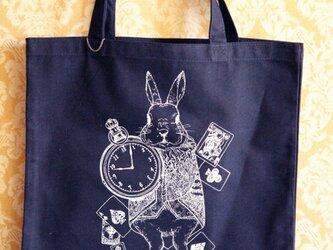時計ウサギのトートバッグ☆紺の画像