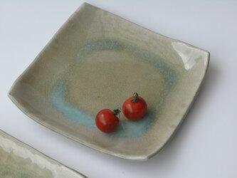 灰釉の角皿の画像