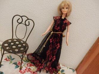 バービーの黒のドレス (クサリにクロス)の画像