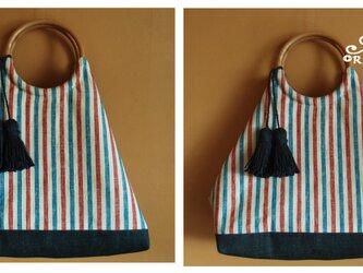2種のトリコロールリネンとデニムのリバーシブルトートバッグ/グラニーバッグ(麻ひもタッセル付)の画像
