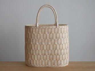 籐のトート 縦型(よろけ編み/生成り)の画像
