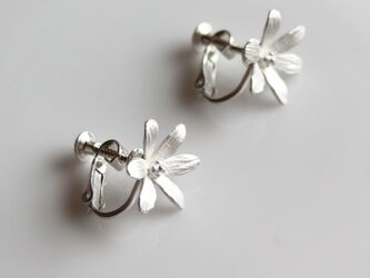 sv925 - 6枚の花びらのイヤリングの画像