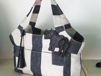 倉敷帆布リネンストライプのトートバッグ(サイのチャーム付き)の画像