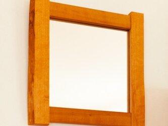 耳付き材の鏡の画像