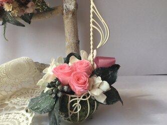 ♪プレゼントに♪音符のフラワーアレンジメント バラ ブライダルピンクの画像