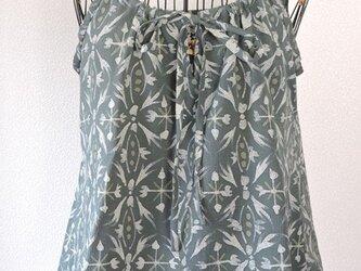 着物リメイク 青緑色のキャミソールブラウスの画像