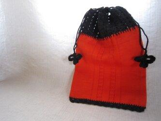 オレンジふち編み巾着の画像