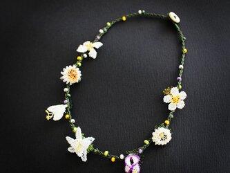 イーネオヤ⁂白いお花のネックレスの画像