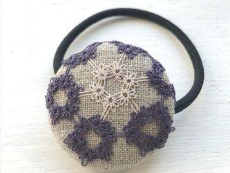 タティングレースのヘアアクセサリー*紫* ヘアゴムの画像