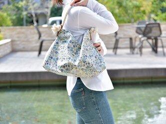 マリン ショルダーバッグ ブルー 花柄 ラミネート 撥水加工の画像
