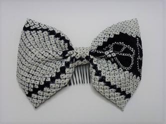 ふんわり粋な和装リボン~白黒絞りの画像