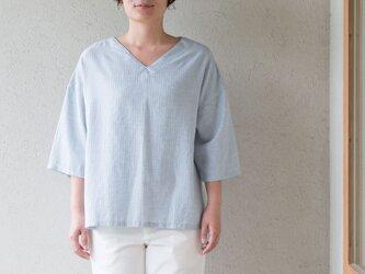 Organic Cotton 抜き襟ゆったりプルオーバー7分袖【薄手ヘリンボーン生地/水色】の画像