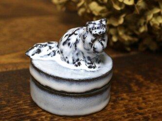 【受注制作】お座り長毛猫のミニミニオブジェの宝物入れの画像