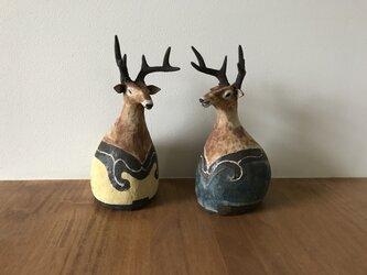 狛犬ならぬ狛鹿の画像