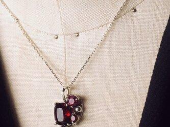 ガーネットとピンクトルマリンのネックレスの画像