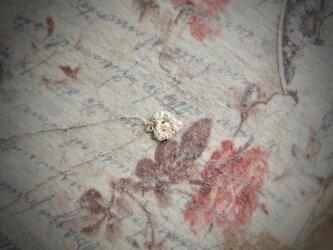ベビーパールのハートチャーム ネックレスの画像