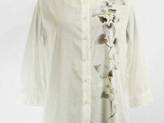 コットン八分袖シャツブラウス(ドクダミ・ホワイト)の画像