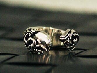 ぽってり丸っこい唐草リング【送料無料】最厚部3ミリの立体的で滑らかなカーブが可愛い指輪にアラベスクの装飾を施しましたの画像