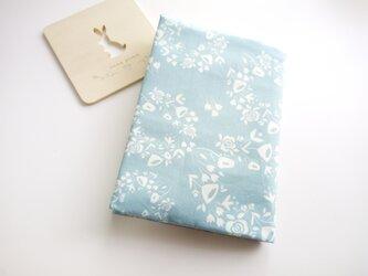 usaコットン(文庫本用)バラと小さな草花のリース・・・*ブックカバーの画像