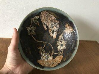 虎の絵皿の画像