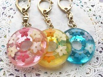 選べる3カラー☆flowerリースゼリーのキーホルダーの画像