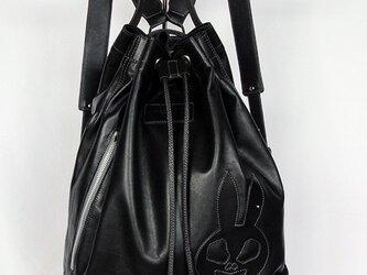 うさぎスカル、黒のバックパック。の画像