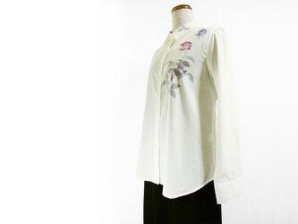 綿混・長袖シャツブラウス(薔薇・ホワイト)の画像