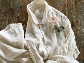淡い淡い薔薇........suMire-bouquet 布花コサージュの画像