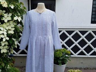 着物リメイク 手作り 白 上布 前タック チュニックワンピースの画像