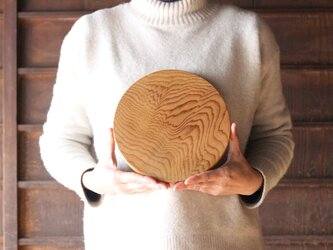 木のお皿(中くらいの丸)の画像